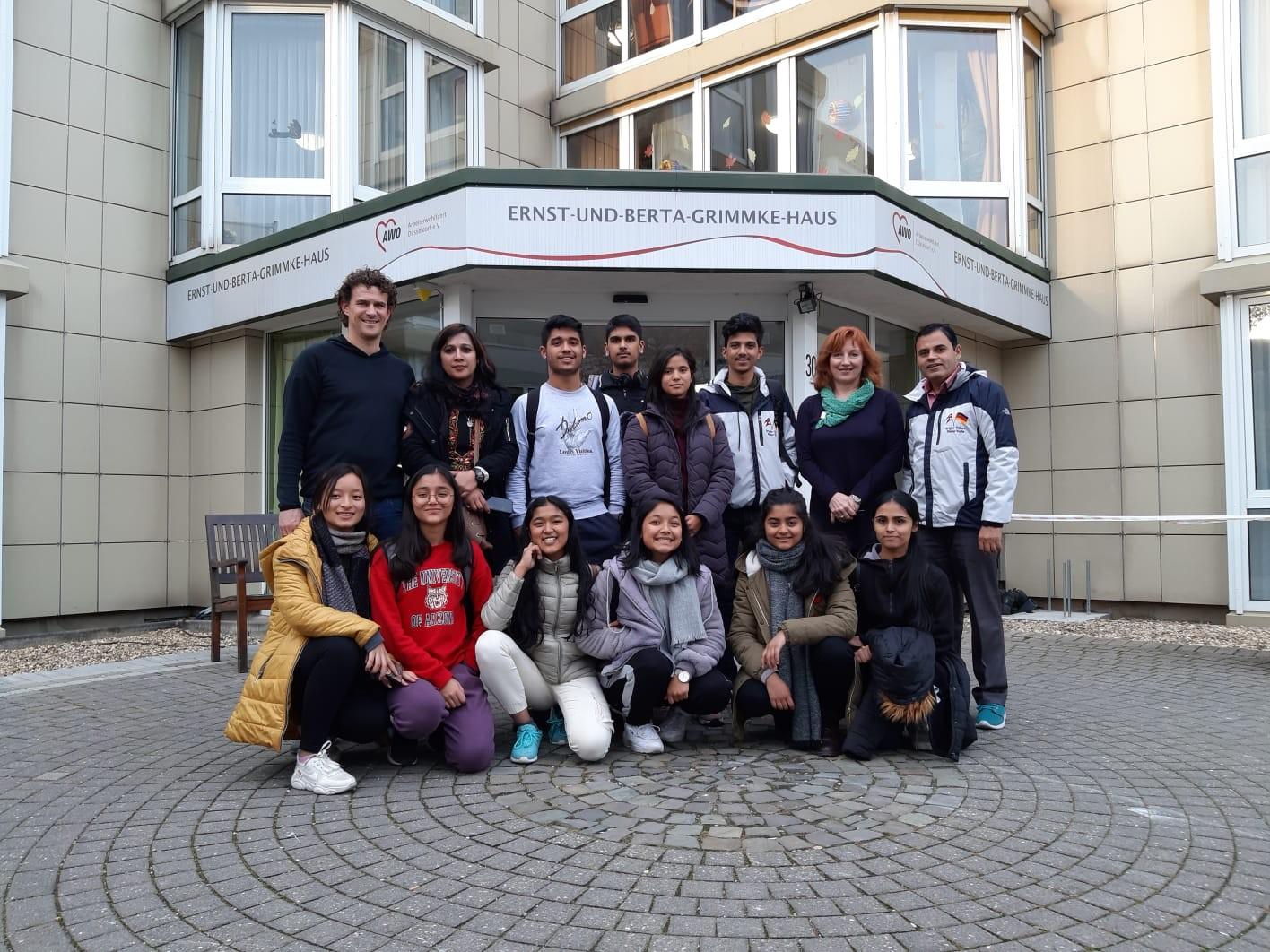 Besuch aus Kathmandu – Schülergruppe aus Nepal zu Gast in Eller