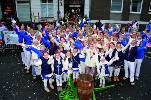Auf zum Tonnenrennen – Die Karnevalssession im Linksrheinischen