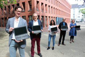 60 Laptops für bedürftige Kinder