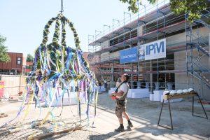 Die Carl-Benz-Realschule feiert Richtfest