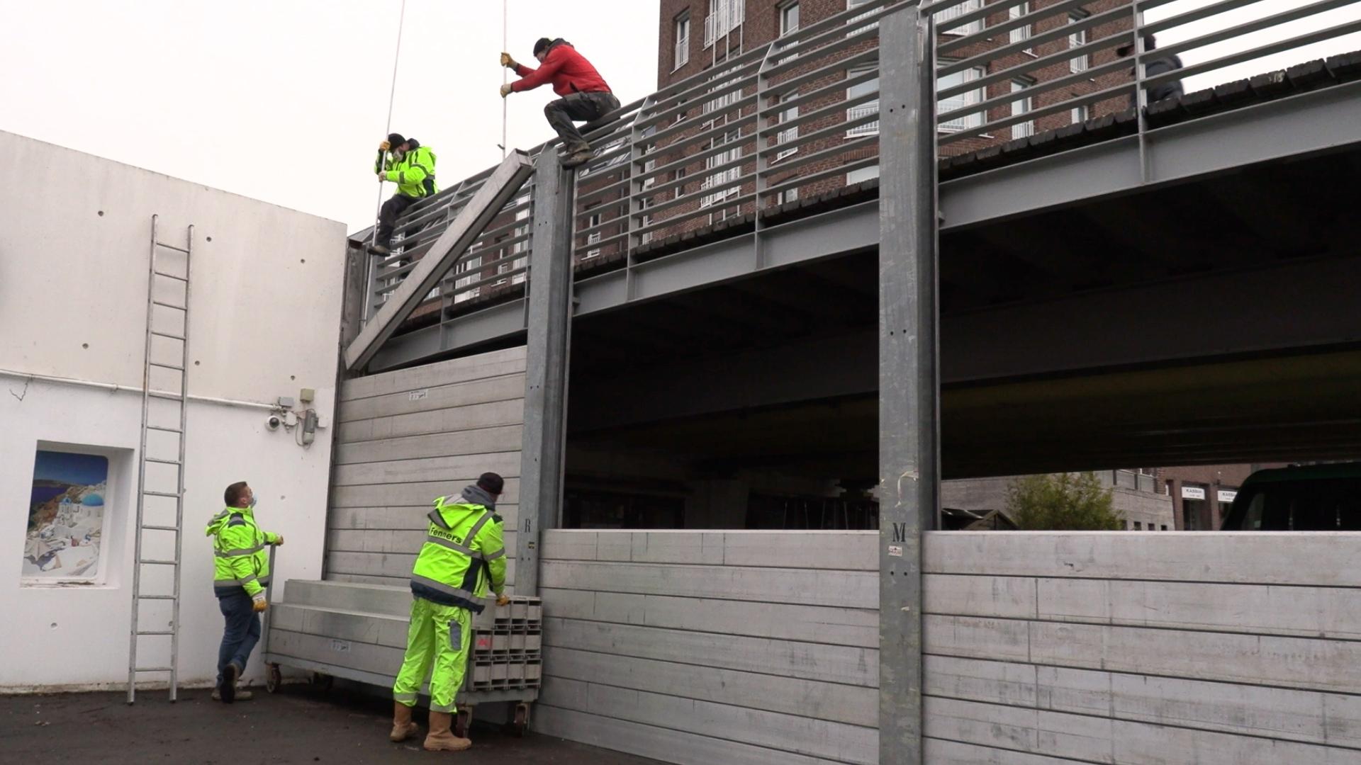 Hochwasser: Schutzwand am Alten Hafen aufgebaut, Parkplätze gesperrt